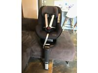 Maxi-Cosi 2 Way Pearl Group 1 Car Seat with 2way Fix base