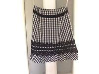 KAREN MILLEN TWO PIECE/DRESS Black and white SIZE 8