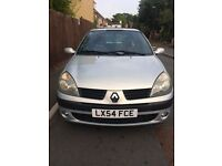 Renault Clio perfect first car - stereo included with Bluetooth, USB and AUX