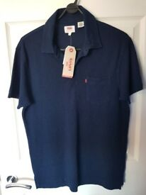 Levis T Shirt Navy Blue, small, BNWT, polo style.