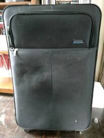 American Tourister Spinner 79/29 4-Wheel Suitcase