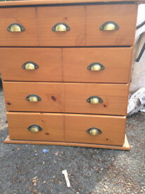 BARGAIN !!!! BARGAIN !!!! REEDUCED !!!!! REDUCED !!!!! REDUCED !!! Beautiful Wooden Chest of Drawers