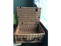 Wicker picnic hamper £5