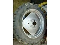Tractor wheels & tyres