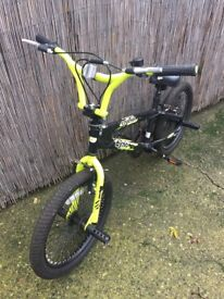 Boys bike in good condition . Grab yourself a bargain . Slight wear on handles as seen on pic