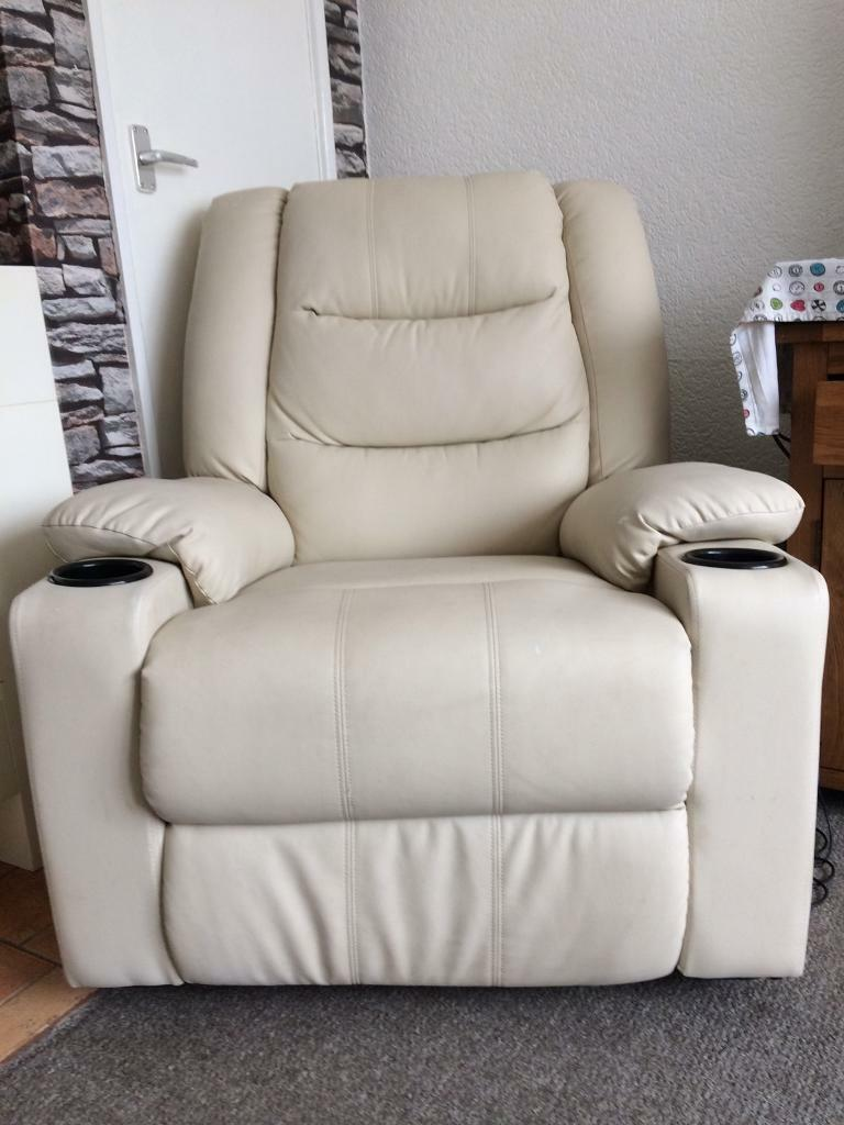 Electric recliner with heat massage