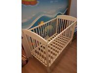 White finish baby cot