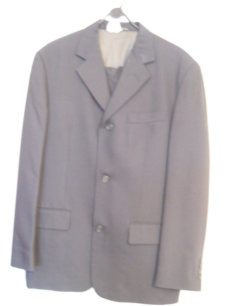 Mens Suit - Jacket 38R, Trousers 32R, Single-Breasted - Pure New Wool - Worn Once