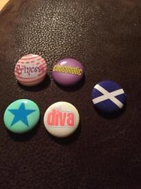 Set of 5 badges