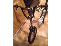 BOYS/GIRLS SILVER MUDDY PAWS SCOOTER WITH 16INCH BMX WHEELS,AS NEW..RRP..£79...£30