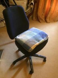 Adjustable swivel chairs *2