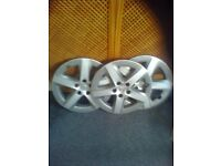 3 lexus 15 inch wheel trims very good cood condition will sell singly £20 each