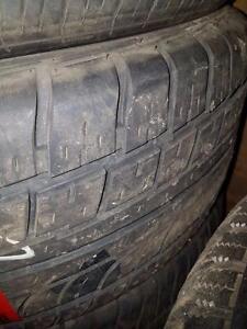 4 pneus d'été 235/55/17 Firestone Firehawk, 35% d'usure, 7/32 de mesure.