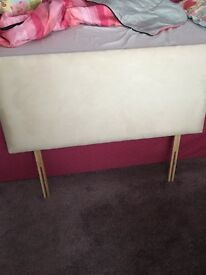 4ft bed headboard like new
