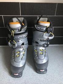 Salomon Ski Boots (Almost new)