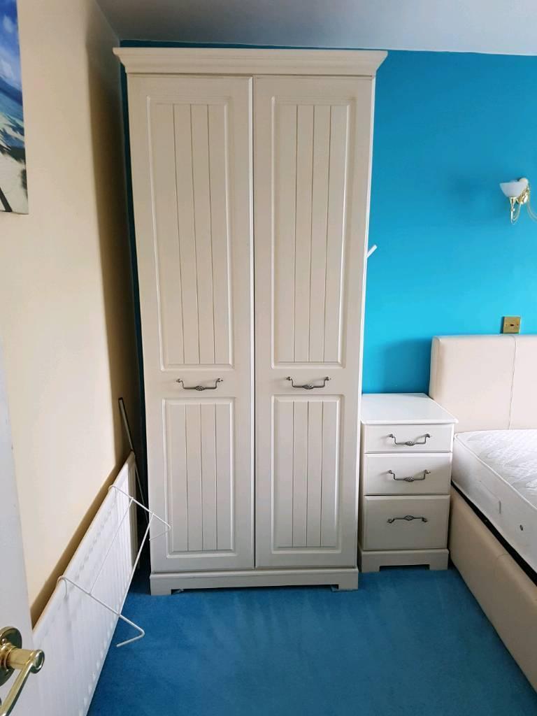 Beds / furniture