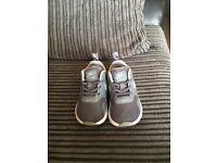 Grey Nike tavas trainers size 4.5