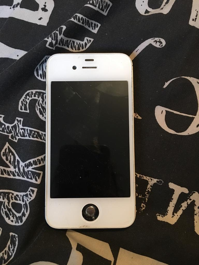 iPhone 4 whitein Hull, East YorkshireGumtree - iPhone 4, few scratches on the screen, Apple ID locked and needs a new home button cover, but home button still works, still turns on, no charger just the phone, good for parts