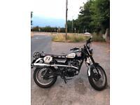 Sinnis Scrambler 125cc Retro Style Vintage Motorbike