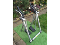 CROSS-COUNTRY SKI EXERCISE MACHINE