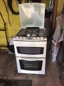 Electrolux Premier Free Standing Gas Cooker in excellent condition white auto timer £90