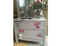 Dressing Table - Vintage Chic!