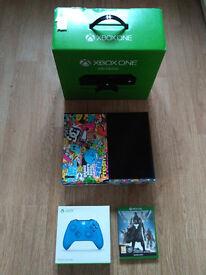 Xbox One + Custom Cover + Blue Controller + Destiny