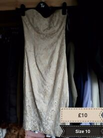 Dresses and clothes various sizes womans