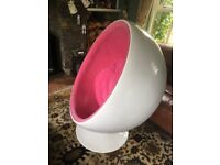 Two full sized retro 1970's egg chair(s).