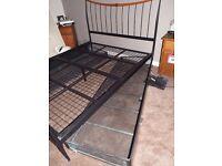 KINGSIZE METAL BED FRAME