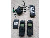 2x Vintage nokia 2110 phones with accessories