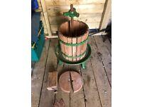 Vigo wine/fruit press