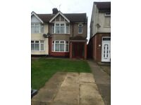 Lovely 3 bed semi detached on Dunstable Road Luton LU4 8DJ close to M1 Motorway £1000pcm