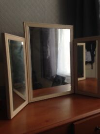 Mirror with side mirrors