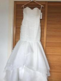 BRAND NEW wedding dress NEVER WORN