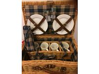 Picnic hamper never been used
