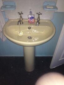 Avacado corner bath sink and toilet