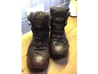 Anatom men's leather waterproof walking boots size 10 1/2 with vibram sole