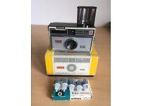 Kodak Instamatic 100 Camera, Boxed with 5 Atlas Flash Bulbs