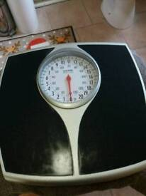 AS NEW SALTER BATHROOM SCALES