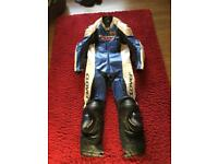 Clover rc 100 suit
