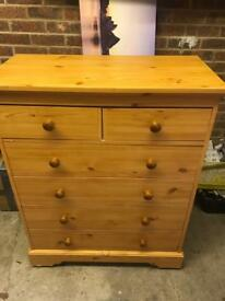 Lovely set of draws... ideal for starter home.