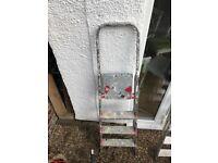 Decorator ladder