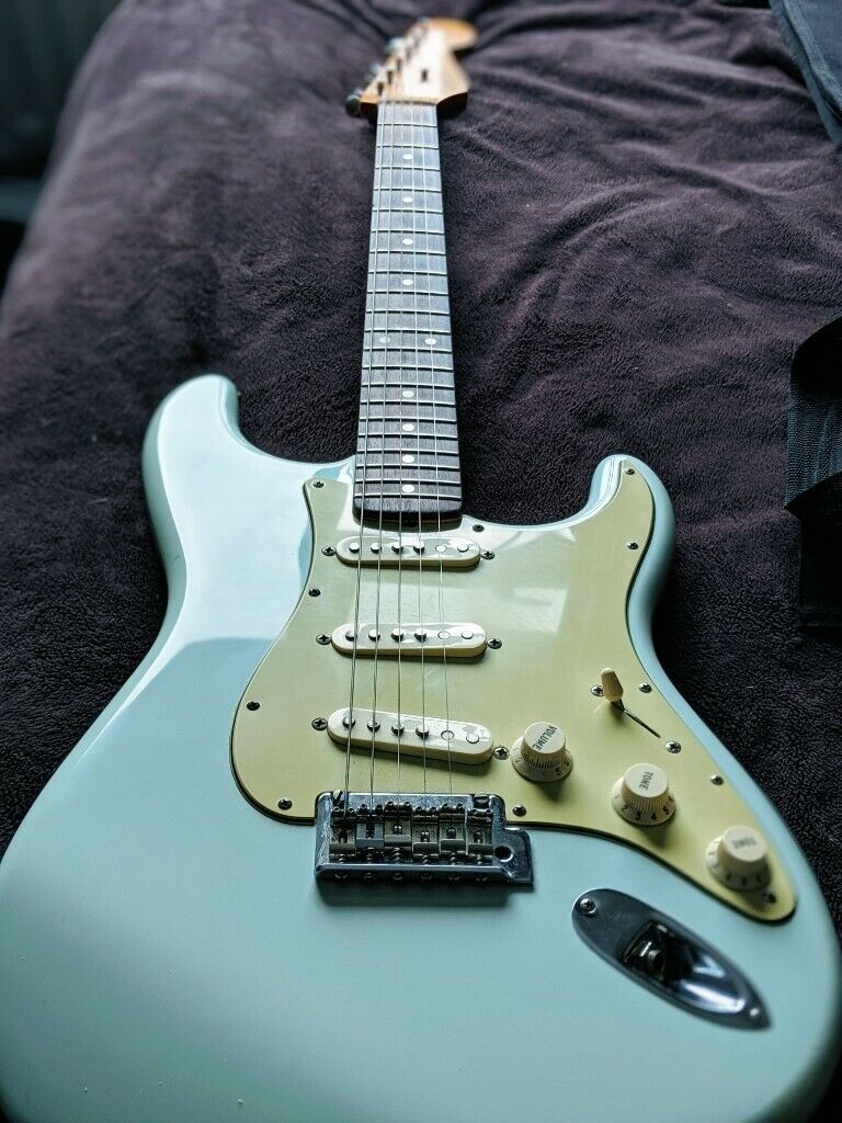 Fender Classic Player 60's Sonic Blue + Softcase | in London | Gumtree