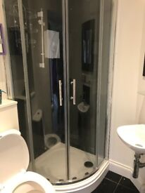 80mm Corner Shower Screen and Base