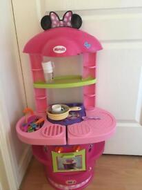 Mini mouse kitchen