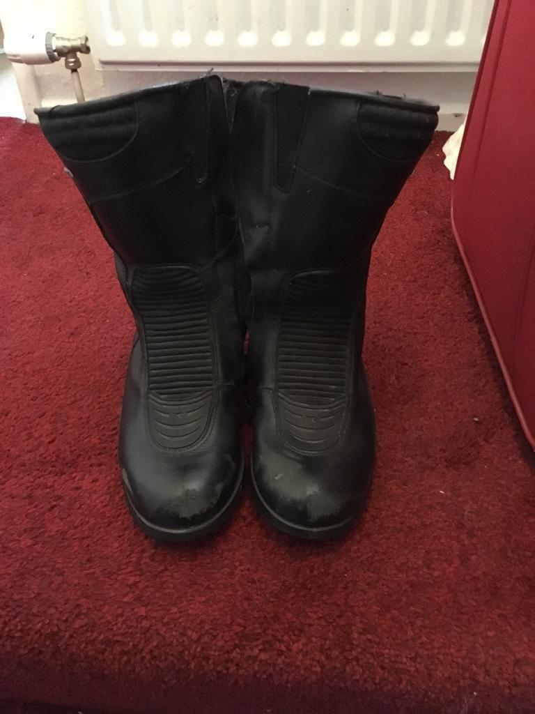 Size 4 diadora motorcycle boots