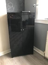 High gloss black unit
