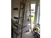Solid bookcase in excellent condition