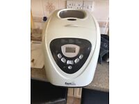 Like new Morphy Richard's Fast Bake. Full instructions. Makes great bread in 3 hours